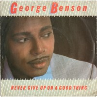 Vinyle - GEORGE BENSON - Never Give Up On A Good Thing